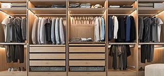 Drewniana garderoba