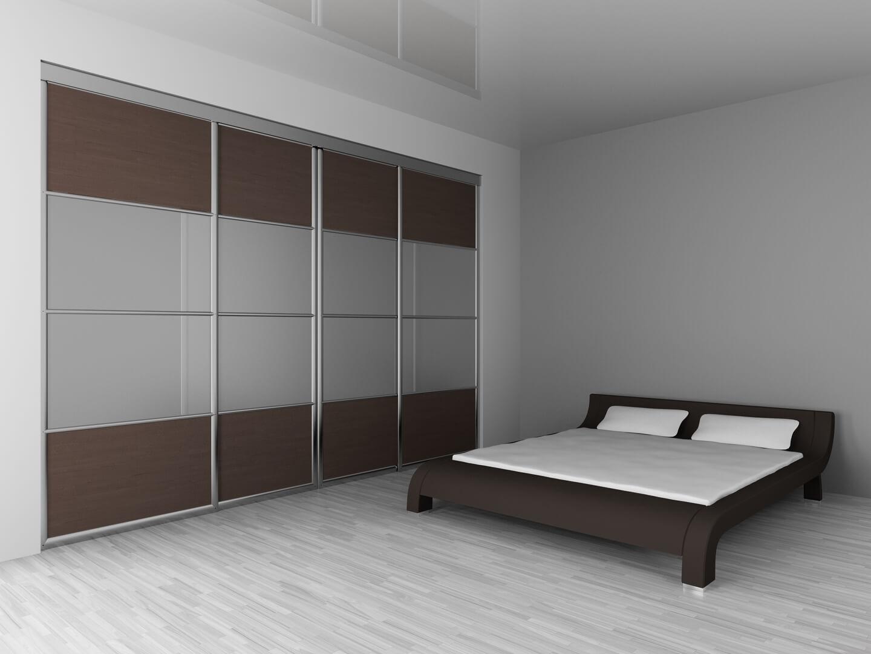 Projekt dużej szafy z drzwiami przesuwnymi do sypialni